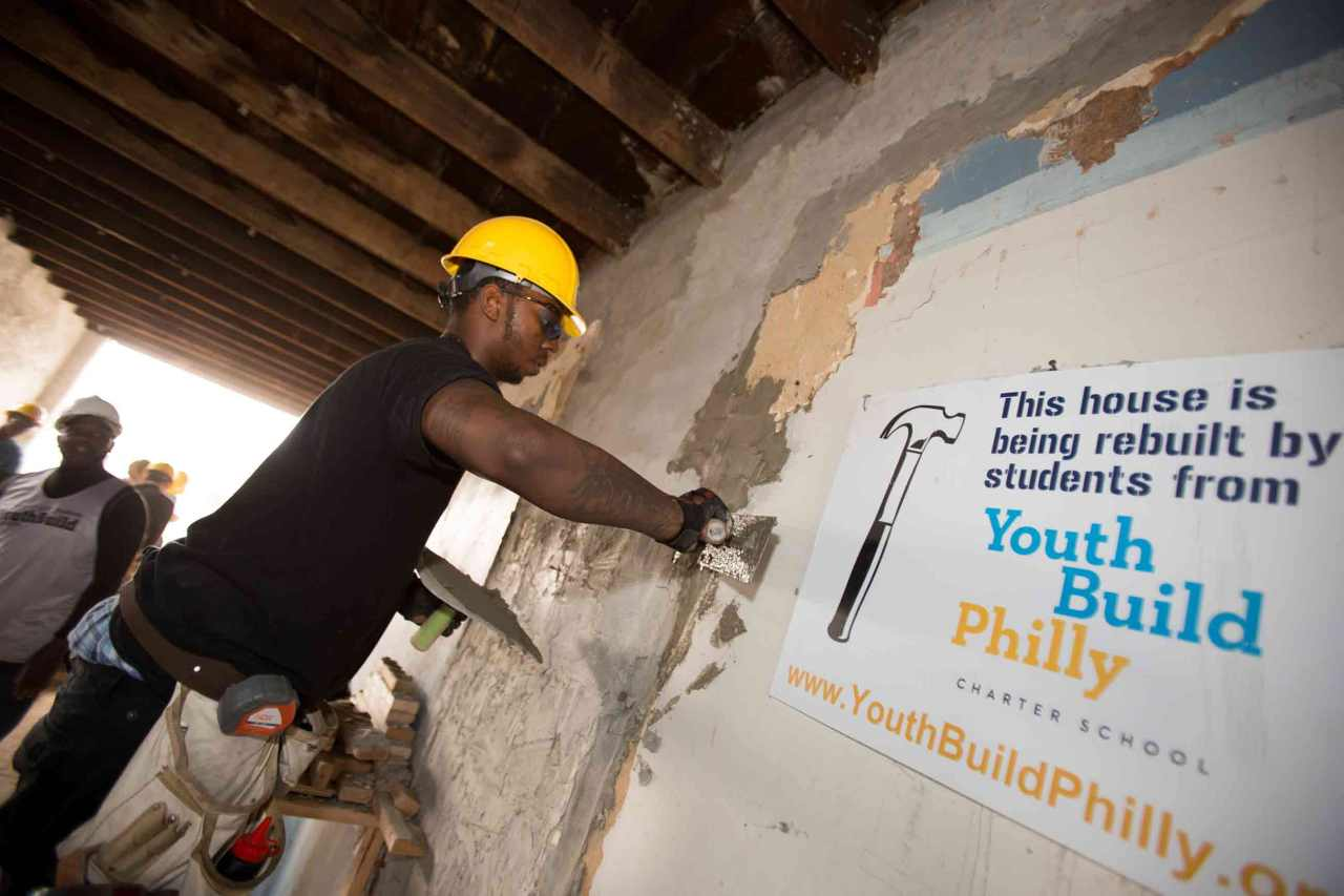 vocational training youthbuild philly building trades